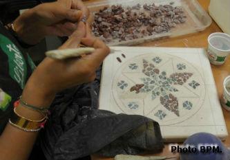 Photo mosaïque de Fatima-Zahra, représentant un motif de zelliges marocaines.