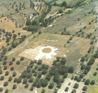 Ceci est une vue aérienne de la villa romaine de Rabaçal (Portugal).