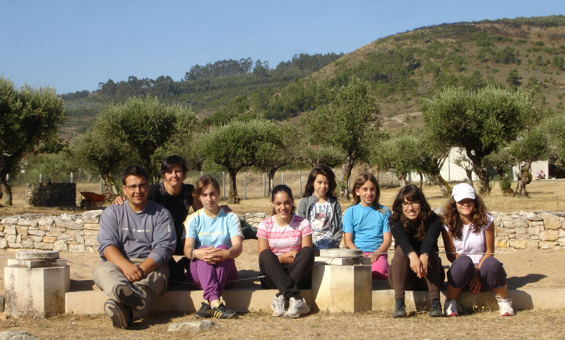 Ceci est une photo de groupe avec les enfants à Rabaçal en juillet 2011