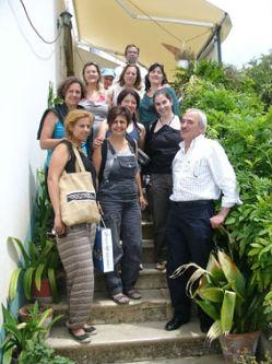 Ceci est une photo de groupe devant le restaurant à Rabaçal.