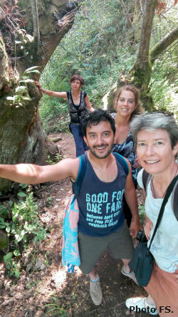 Ceci est une photo de Blandine, Flavio, Ana, Béa, grimpant aux Aldeias do Xisto en juillet 2018.