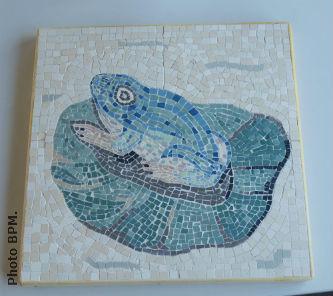 Ceci est une photo de la mosaique en grès cérame de Dominique.